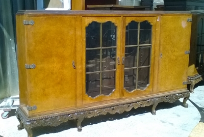 16C04024 LARGE BURLED CABINET WITH FRENCH FEET (2).jpg