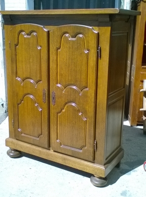 16C04033 TALL RUSTIC 2 DOOR CABINET (1).jpg