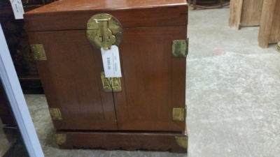 16C04030 SMALL ASIAN SIDE TABLE CHEST (2).jpg