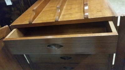 16C04030 SMALL ASIAN SIDE TABLE CHEST (3).jpg