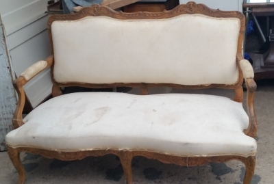 16C04031 MUSLIN COVERED LOUIS XV SETTEE (1).jpg