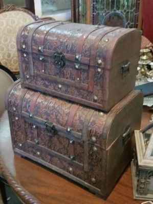 16C02 PAIR OD DECORATIVE TRUNKS.jpg