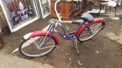 16C13004 OLD BICYCLE (1).jpg