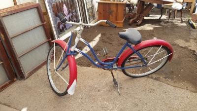 16C13004 OLD BICYCLE (2).jpg