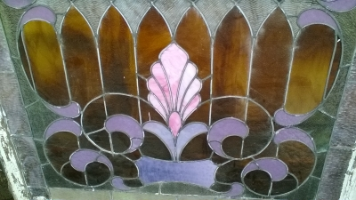 16C13009 LARGE ROOTBEER STAINED GLASS WINDOW (2).jpg