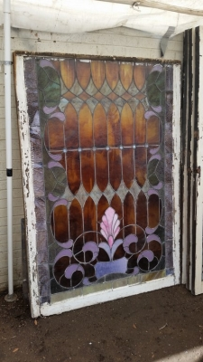 16C13009 LARGE ROOTBEER STAINED GLASS WINDOW (4).jpg