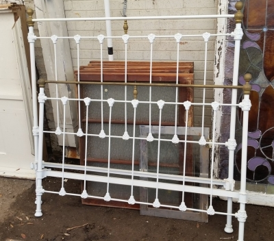 16C13025 IRON BED WITH BRASS FRAMES (1).jpg