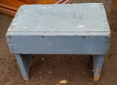 16C13028 PRIMATIVE BLUE STOOL.jpg