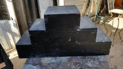 16C13041 SMALL BLACK STAIR DISPLAY (1).jpg