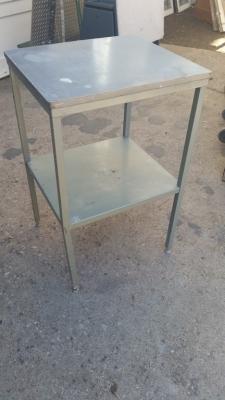 16C13044 SMALL METAL ISLAND TABLE.jpg