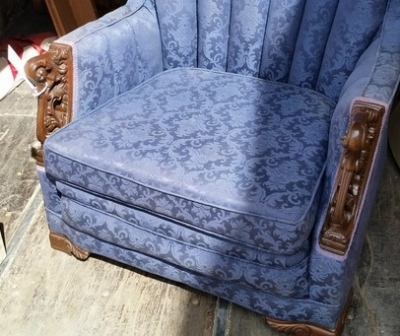 16C13045 DEPRESSION ERA BLUE CHAIR WITH CARVINGS (2).jpg