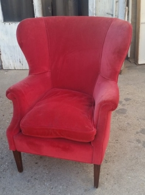 16C13047 RED WING BACK CHAIR.jpg