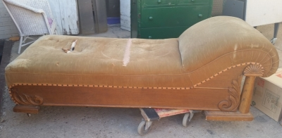 16C13050 OAK FAINTING COUCH (1).jpg