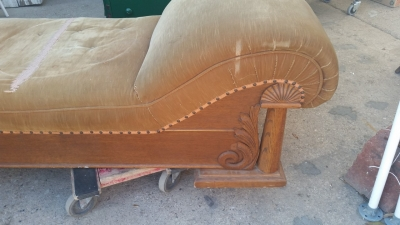 16C13050 OAK FAINTING COUCH (2).jpg