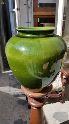16C13058 VERY LARGE GREEN PLANTER (1).jpg