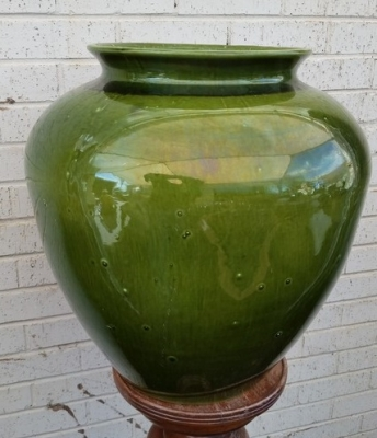 16C13058 VERY LARGE GREEN PLANTER (2).jpg