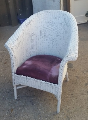 16C13060 WHITE WICKER CHAIR WITH CUSHION.jpg