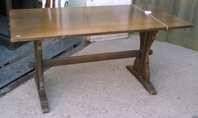 16C19008 ENGLISH OAK TRESTLE FARM TABLE (1).jpg