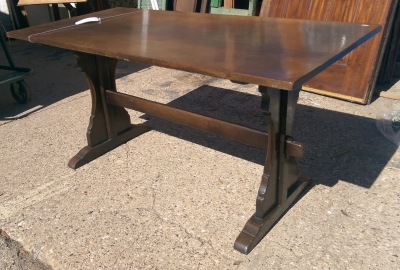 16C19008 ENGLISH OAK TRESTLE FARM TABLE (2).jpg