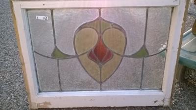 16C19201A SHEILD DESIGN STAINED GLASS WINDOW (1).jpg