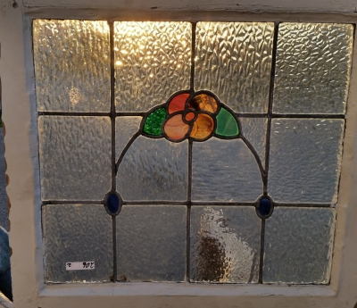 16C19206A FLOWER SWAG STAINED GLASS WINDOW (1).jpg