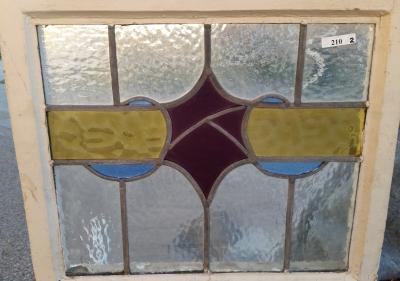16C19210B SHIELD STAINED GLASS WINDOW.jpg