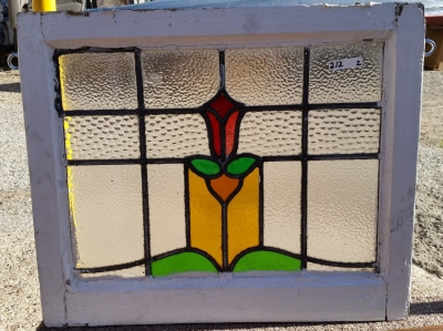 16C19212A TULIP STAINED GLASS WINDOW (2).jpg