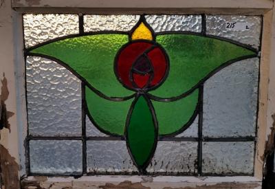 16C19212B ROSE WITH GREEN LEAVES STIANED GLASS WINDOW.jpg