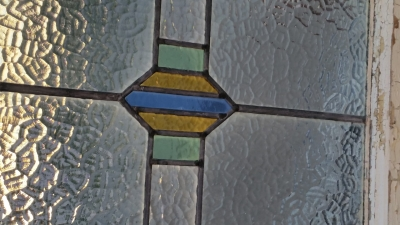 16C19219B MEDIUM GEOMETRIC STAINED GLASS WINDOW.jpg