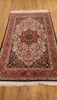 16C HAND MADE THROW RUG (1).jpg