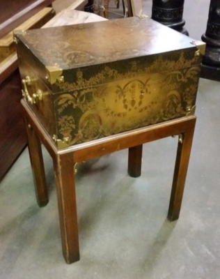 16C30 DECORATED BOX ON STAND.jpg