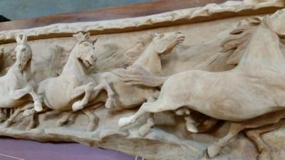 16C31001 6 FT LONG HORSE RELIEF (3).jpg