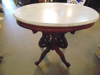 13L17042 OVAL MARBLE TOP TABLE (2).JPG