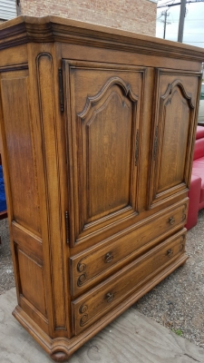 16D08015 5 FT TALL OAK ENETERTAINMET CABINET (2).jpg