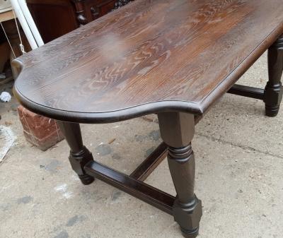 16D08016B SMALL DARK OAK RUSTIC TURNED LEG DINING TABLE (2).jpg