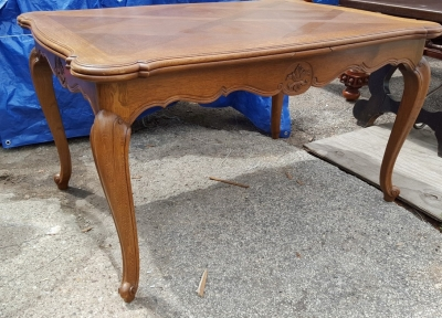 16D08029 COUNTRY FRENCH OAK DRAWLEAF TABLE.jpg