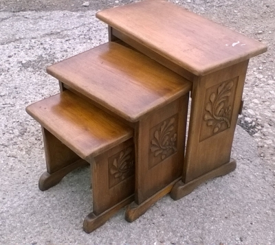 16D08040 OAK NESTING TABLES WITH CARVED LEAVES.jpg