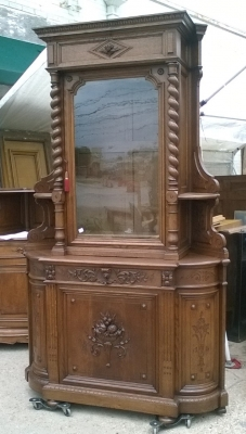 16D08046 HUGE BARLEY TWIST CORNER CABINET WITH GLASS DOOR (1).jpg