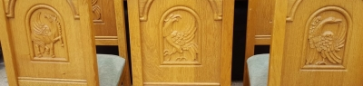 16D15061 SET OF 6 OAK CHAIRS WITH CARVED BIRD BACKS (2).jpg