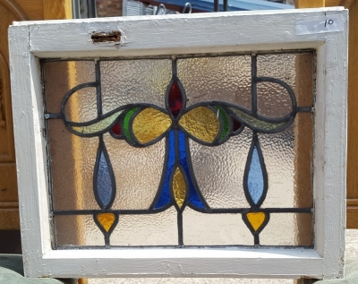 16D15010 STAINED GLASS WINDOW.jpg