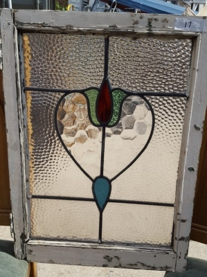 16D15017 STAINED GLASS WINDOW.jpg