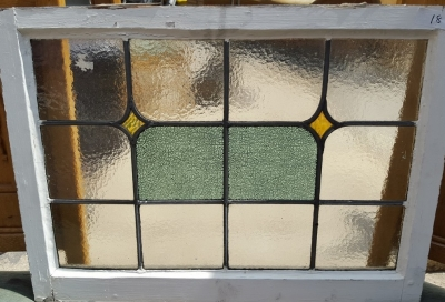 16D15018 STAINED GLASS WINDOW.jpg