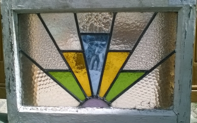 16D15042 STAINED GLASS WINDOW.jpg