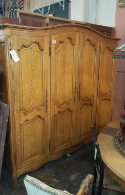 16D08020A 4 DOOR LOUIS XV OAK ARMOIRE.jpg