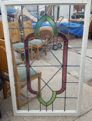 16D15050 STAINED GLASS WINDOW  (1).jpg