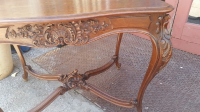 16E08023 LOUIS XV CARVED CENTER TABLE WITH FANCY STRETCHERS  (2).jpg