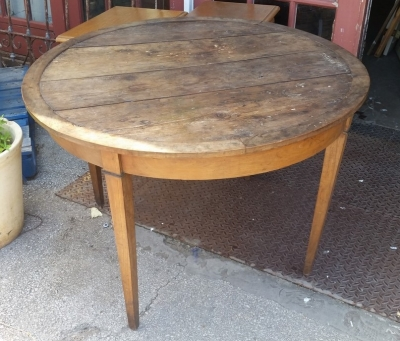 16E08028 ROUND 19TH CENTURY  WINE TABLE  (1).jpg