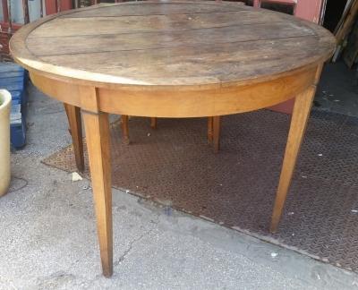 16E08028 ROUND 19TH CENTURY  WINE TABLE  (2).jpg