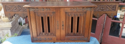 16E08043 GOTHIC WALL MOUNTED CABINET WITH HAT HOOKS.jpg