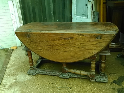 16E20014 18TH CENTURY DROPLEAF TABLE WITH SINGLE BOARD TOP (14).jpg